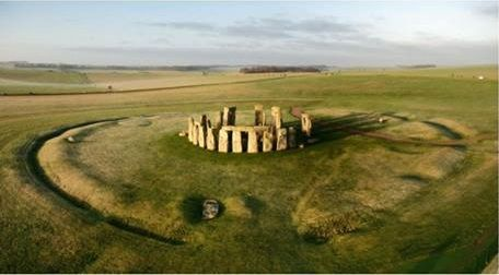 "Predavanje ""Seeing beyond the Stones: Research in the Stonehenge Landscape"""